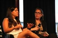 Aylin Bruns (links) im Gespräch mit Ute Blindert