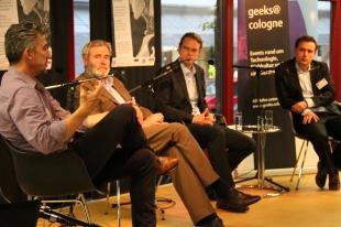Die 4 Vortragenden in der Diskussionsrunde