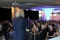 Tillmann erzählt rund 200 Gästen schaurige Geschichten.